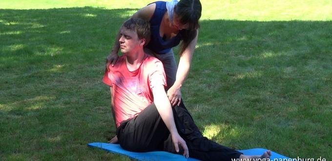 Yoga-Kurs-Drehsitz