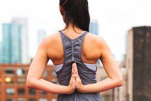 Übungen bei Schulter-Nacken-Schmerzen