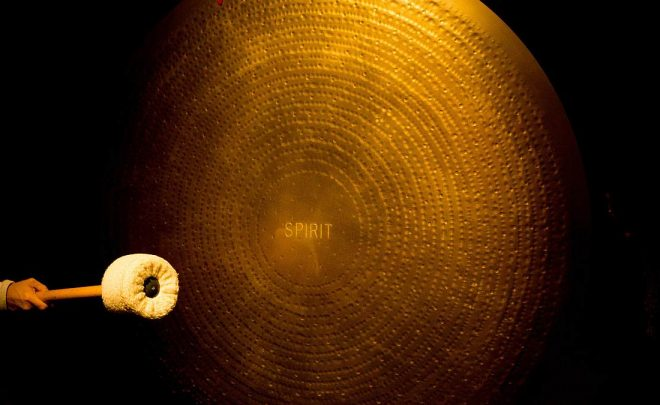 Gong-Meditation-Manuel-Crossio-unsplash