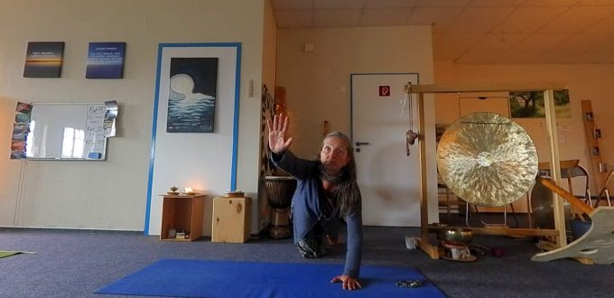 Wonne-Yoga: Yoga-Übung die Katze