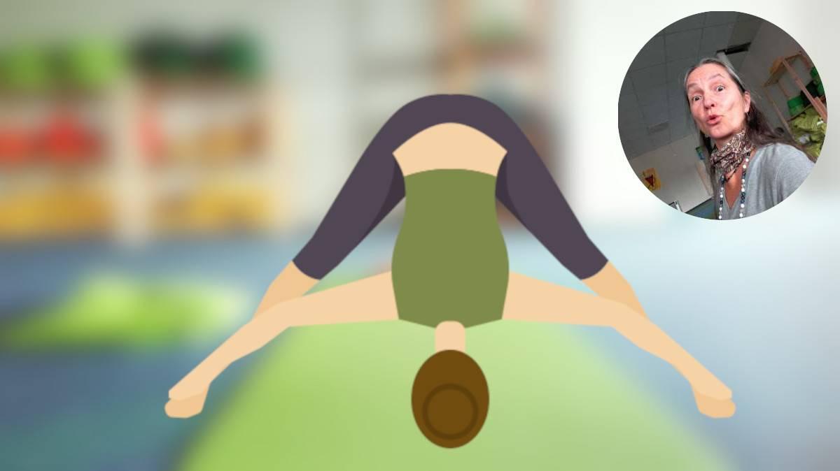 Yoga-Übung: Stehende gegrätschte Vorwärtsbeuge