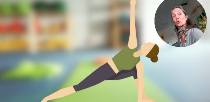 Helden-Yoga-Stunden-seitlicher-Winkel-PARIVRITTA-PARSHVAKONASANA